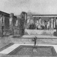 Фонтан во внутреннем дворике жилого дома в Помпеях
