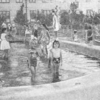 Детский плескательный бассейн на внутриквартальной территории. Волгоград
