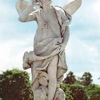 Петергоф.  Верхний сад. Зефир. 1757. Мрамор. Скульптор Дж. Бонацца