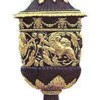 Большой каскад. Большой грот. Балюстрада. Ваза-урна. 1800. Бронза, позолота. Копия с античного оригинала (II в. до н.э.)