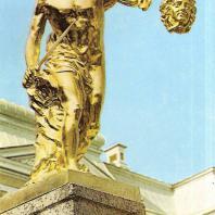 Петергоф. Большой каскад. Восточная сторона. Персей. 1800. Золоченая бронза. Скульптор Ф. Щедрин