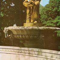Петергоф. Западный партер у Большого каскада. Фонтан «Нимфа». 1853. Сооружен по проекту архитектора А. Штакеншнейдера