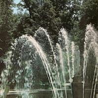 Петергоф. Марлинская аллея. Фонтан Ева». 1726. Композиционный центр западной части Нижнего парка