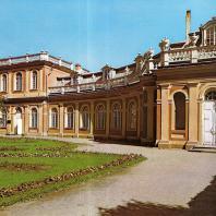 Петергоф. Павильон «Большая Оранжерея». 1722—1724. Архитектор И. Браунштейн