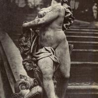 Петергоф. Андромеда. Начало XVIII века. Мрамор. Статуя работы П. Баратта