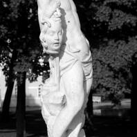 Царское Село. Екатерининский парк. Скульптура «Персей». Фото: tsarselo.ru