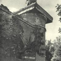 Царское Село. Екатерининский парк. Башня-руина. Фотограф М.А. Величко