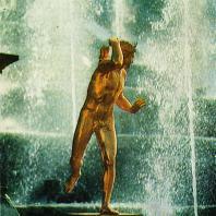 Петергоф. Деталь Большого каскада — фонтан «Самсон»