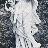 Летний сад. Скульптура Цереры (по античной мифологии, богиня земного плодородия и земледелия)
