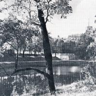 Гатчина. Вид на дворец и пристань со стороны озера