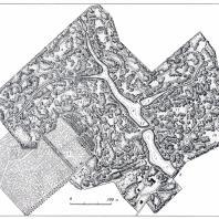 План Тростянецкого парка (обмеры И.А. Косаревского): 1 — подъездная аллея, 2 — административно-хозяйственные постройки, 3 — опытные поля, 4 — Большой пруд, 5 — пруд Куцыха, 6 — Лебединое озеро, 7 — дворец (не сохранился), 8 — плотина, 9 — горное ущелье, 10 — Таборная поляна, 11 — Первомайская поляна, 12 — колонна, 13 — мост, 14 — Березовая поляна, 15 — Ореховая поляна